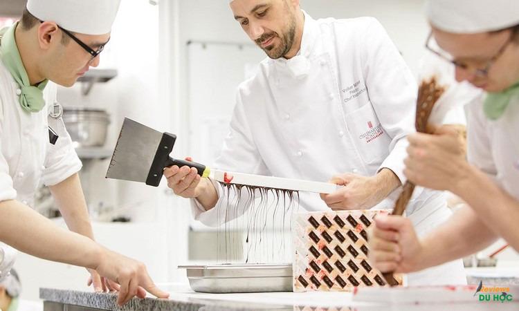 Ngành bếp, nghệ thuật ẩm thực