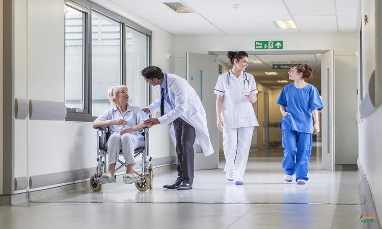 Điều kiện du học y